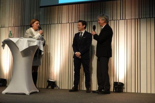 Interview auf der Bühne bei der Verleihung des immateriellen Kulturerbes in Schladming